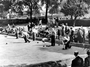Bowls tournament, c1950. FW Stevenson and www.picturethepast.org.uk